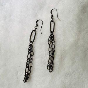 Chain link black earrings